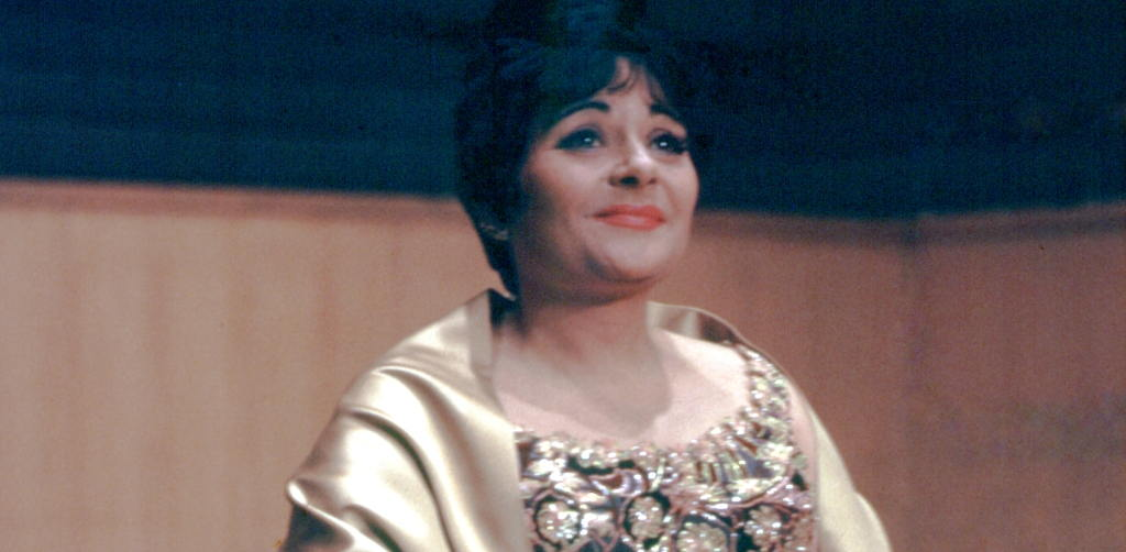 Victoria delos Ángeles