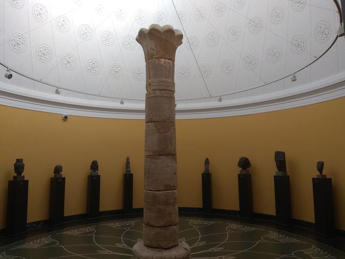 Columna palmiforme Templo de Taharka